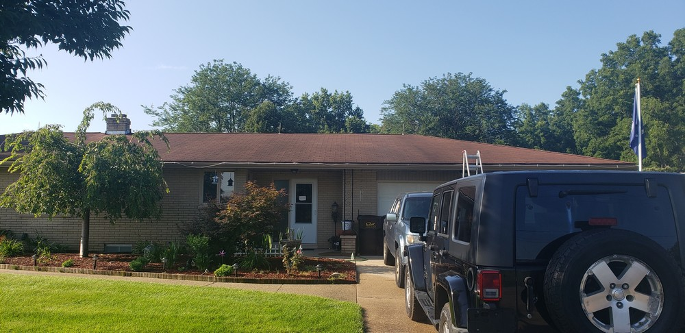 Residential gutter cleaning and window cleaning service